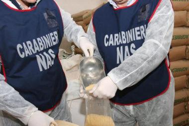 carabinieri nas durante una retata