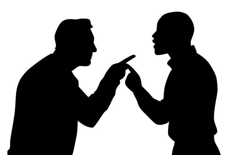 litigio tra uomini