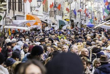 manifestazione pubblica in centro città