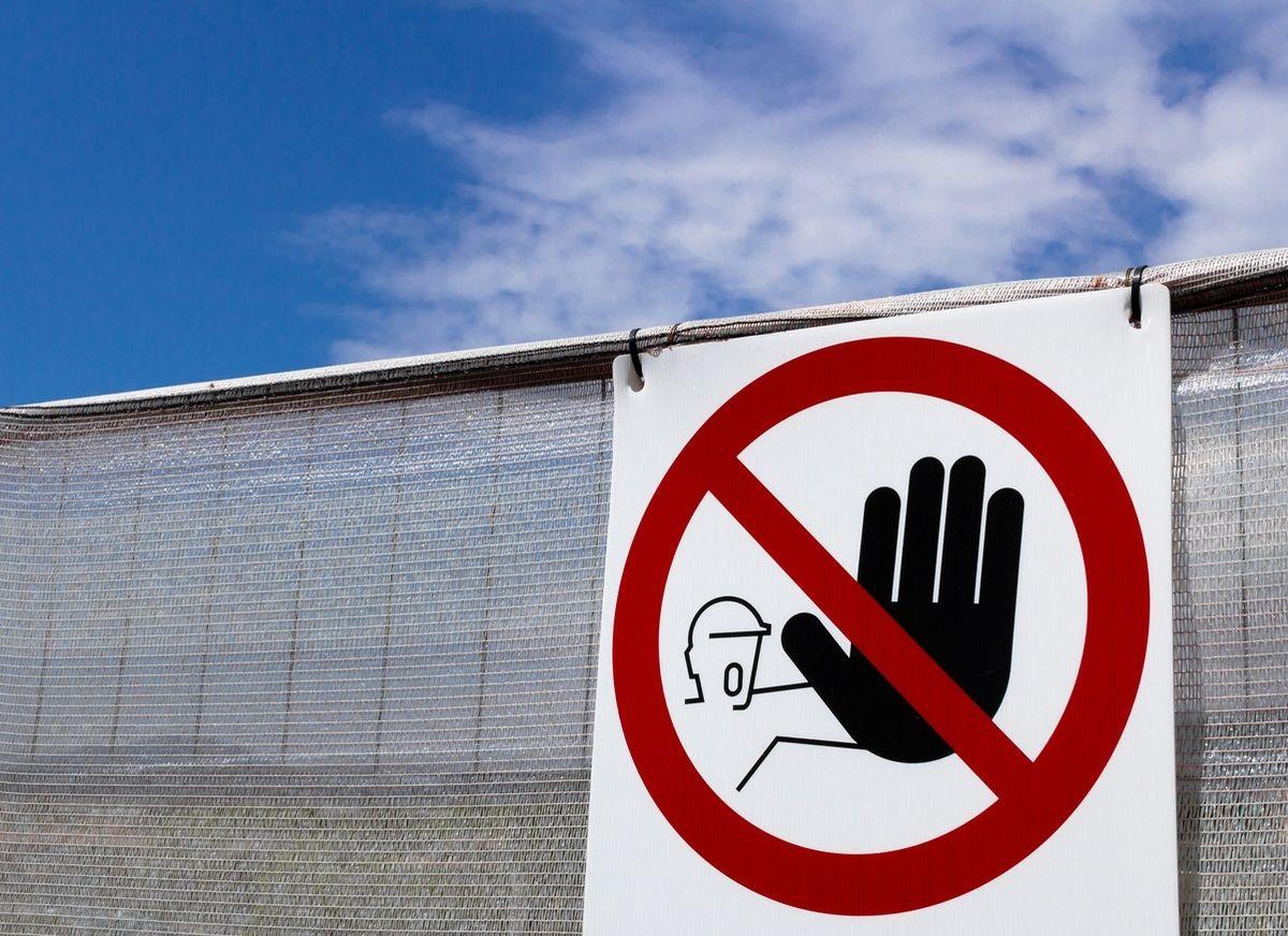segnale di divieto accesso ai non addetti